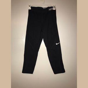 Nike dry-fit Capri leggings